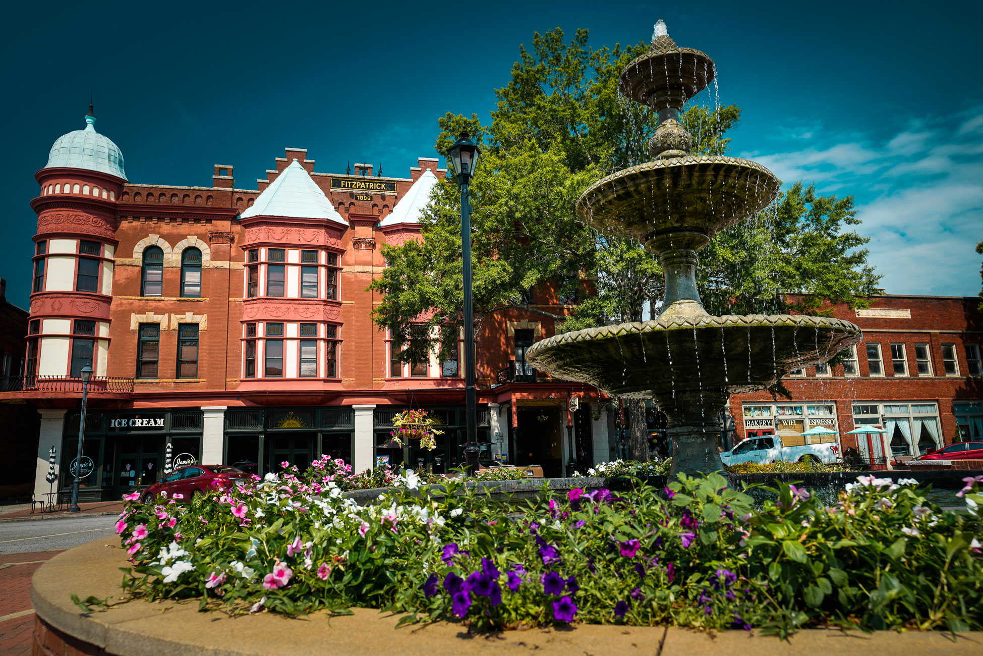 9 Small Towns Dripping with Georgia Charm | Official Georgia Tourism &  Travel Website | Explore Georgia.org
