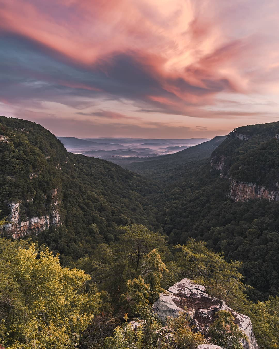 Cloudland Canyon in Rising Fawn, Georgia. Photo by @natebowery