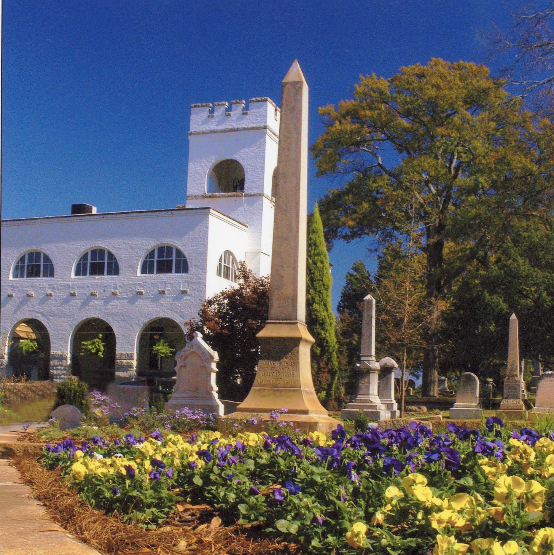 Historic Oakland Cemetery in Atlanta