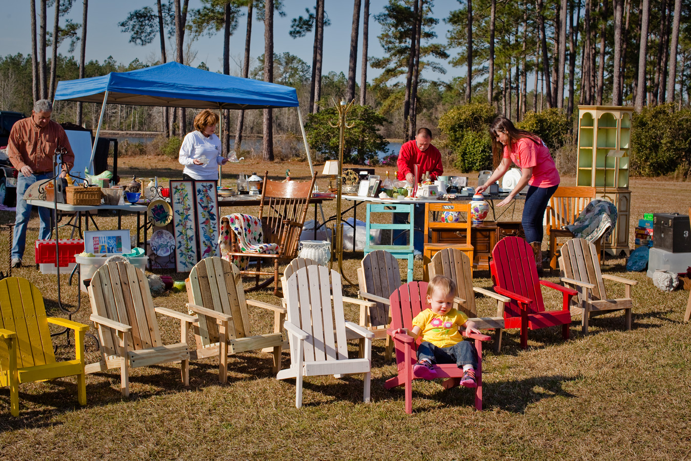 Peaches to Beaches, held annually on the second Friday and Saturday in March, is the largest yard sale in Georgia. - GDECD Photography