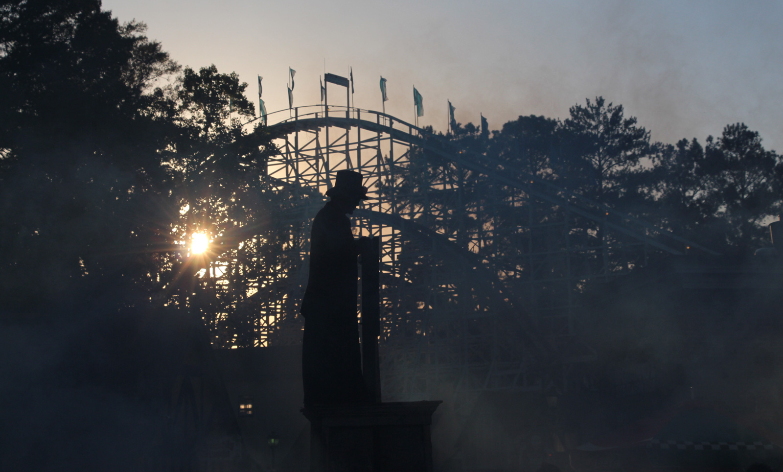 Frightening rides, spooky shows and scare zones make Six Flags a scream for Halloween. - Six Flags Over Georgia