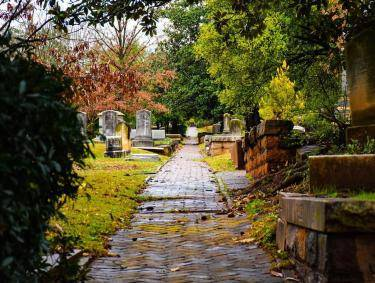 Oakland Cemetery in Atlanta. Photo by @bigjmoody