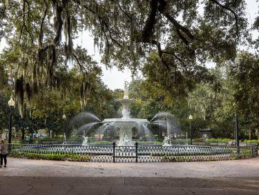 Forsyth Park Fountain in Savannah, Georgia. Photo by @benjamingalland