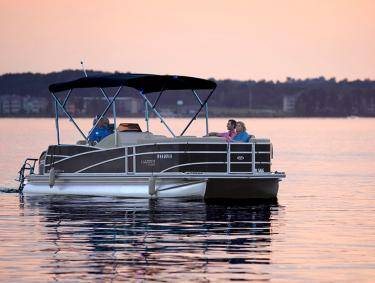 Sunset boat ride on Lake Oconee