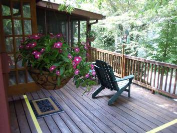 Tree Top Room is a private getaway next door to the lodge. Full breakfast at the lodge is included.