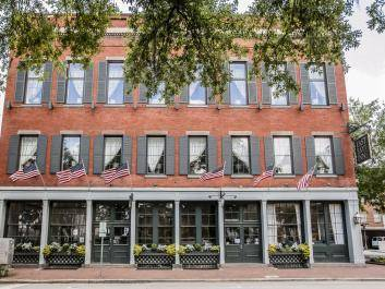 East Bay Inn Historic Savannah Hotel