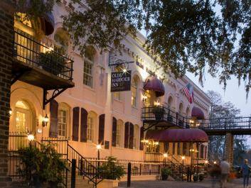Olde Harbour Inn Historic Hotel on Savannah's River Street