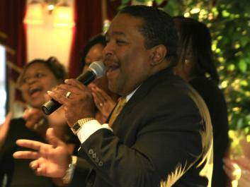 Monday Night Gospel Entertainment Dinner Cruise