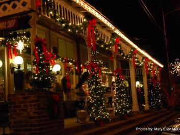 Candlelight Tour Festivities in Warm Springs