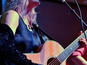 Caroline Aiken presents an engaging and dynamic performance. See her live at the Sautee Nacoochee Center.