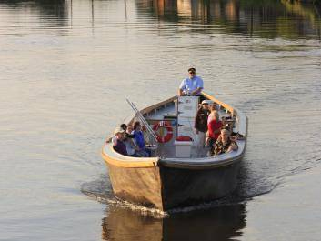 A leisurely sunset tour on Augusta Canal