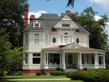 The Donalson-Rollins house was built in 1898. It was the first home in Bainbridge with wire screens. The floor plans were catalog mail ordered.