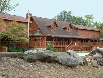 Mountain Top Inn & Resort Lodge