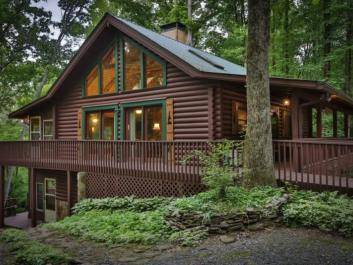 Fern Creek Lodge will make you feel right at home in the North Georgia Mountains