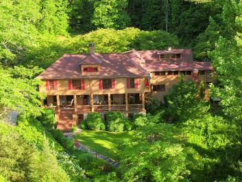 Drone View of Beechwood Inn