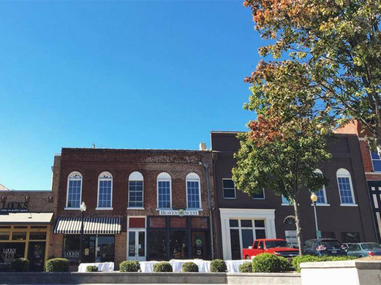 Cartersville S Historic Downtown Shopping District Official