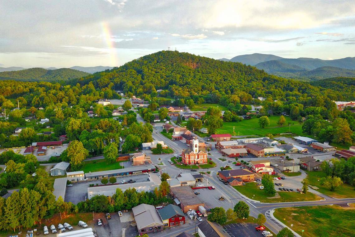 The 2019 Visitor Guide To Blairsville Georgia Eat Stay Play