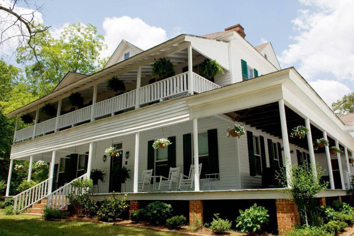 Awe Inspiring 7 Must See Historic Homes On Georgias Antebellum Trail Interior Design Ideas Jittwwsoteloinfo