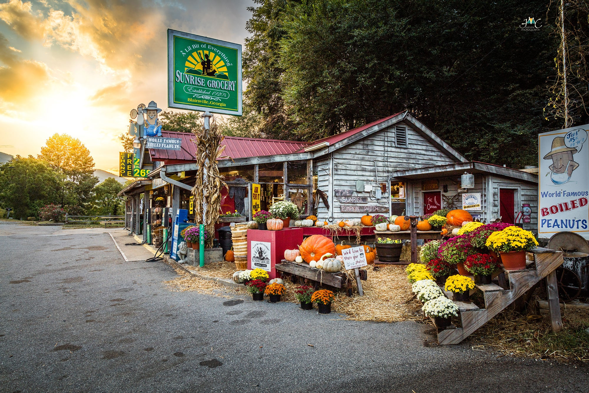 Sunrise Grocery in Blairsville, Georgia. Photo by Jason Clemmons